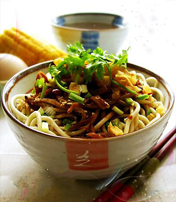 Reganmian (Hot-dry noodles) as breakfast :) Special cuisine in my city