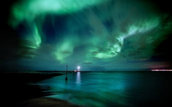 green_aurora_borealis_northern_lights-wide
