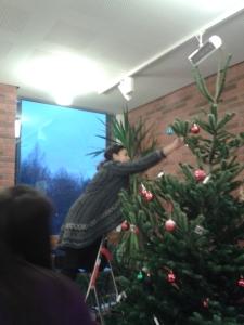 Decorate the Xmas tree